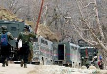 Indian Army personnel during an encounter with terrorists in Shopian (representational image) | Photo: Amin War | ANI