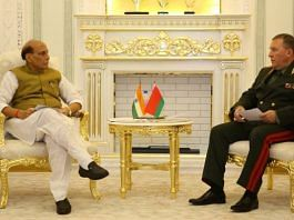 Defence Minister Rajnath Singh with his Belarusian counterpart Lt Gen Viktor Khrenin in Dushanbe, Tajikistan, on 28 July 2021 | Twitter/@DefenceMinIndia