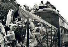 A train of refugees in Punjab during Partition | Commons