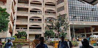 Outside gate no.4 of Rohini District Court in New Delhi   Bismee Taskin   ThePrint