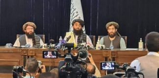 Representational Image | Taliban spokesperson Zabihullah Mujahid (middle) during a press conference in Afghanistan, on 17 August 2021 | Twitter/@paykhar