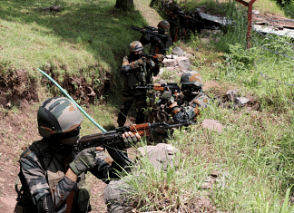Army soldiers patrol along the Line of Control (LOC), in J&K Poonch | Representational image | ANI photo